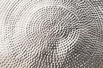 Li il design couchtisch orient 90cm aluminium silber for Designer couchtisch alu