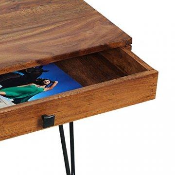 Tisch mit offener Schublade