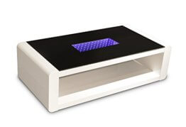 CAVADORE Couchtisch Hutch/moderner, niedriger Tisch mit schwarzem Glas und 3D-LED-Beleuchtung/mit Akku und 5m Ladekabel/mit Ablage/Hochglanz Weiß / 120 x 60 x 35 cm (L x B x H) - 1
