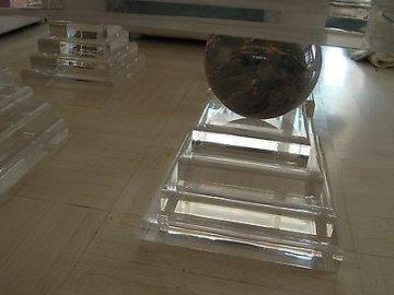 Luxus Design Wohnzimmertisch Marmor Acryl Plexi glas massiv Tisch Couchtisch