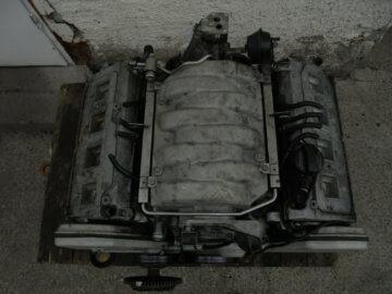 V8 Audi Motor für Motortisch Motorblock Tisch