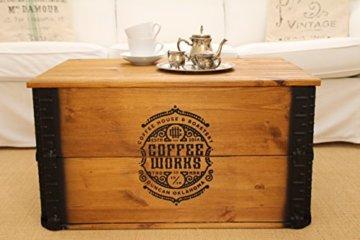 Uncle Joe´s Truhe Coffee Couchtisch Truhentisch im Vintage Shabby chic Style aus Massiv-Holz in braun mit Stauraum und Deckel Holzkiste Beistelltisch Landhaus Wohnzimmertisch Holztisch nussbaum - 1