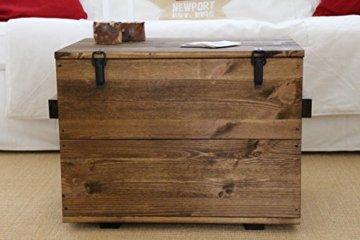 Uncle Joe´s Truhe Couchtisch Truhentisch im Vintage Shabby chic Style aus Massiv-Holz in braun mit Stauraum und Deckel Holzkiste Beistelltisch Landhaus Wohnzimmertisch Holztisch nussbaum - 1