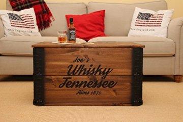 Uncle Joe´s Truhe Whisky Couchtisch Truhentisch im Vintage Shabby chic Style aus Massiv-Holz in braun mit Stauraum und Deckel Holzkiste Beistelltisch Landhaus Wohnzimmertisch Holztisch nussbaum - 1